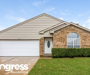 1725 Whispering Cove Trl, Willow Creek, Fort Worth, TX