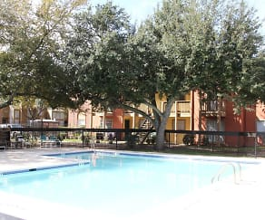 Pool, Wesley Gardens