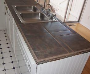 Kitchen, 5 S. Elati St.