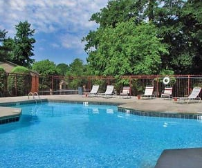 Pool, Brentwood Place