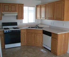 Kitchen, Mill Pond Village Apartments