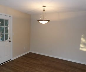 Dining Room, Lakeside Townhomes