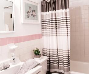 Bathroom, Audubon Manor Apartments