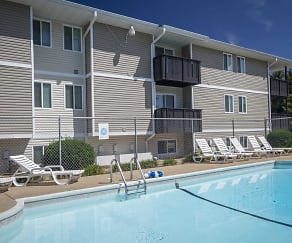 Pool, Southwinds Apartments