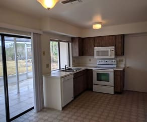 Kitchen, 1525 Medford Pl