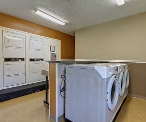 Laundry Room, Ravenswood Townhouses and Apartments
