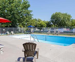 Pool, Kingswood Estates