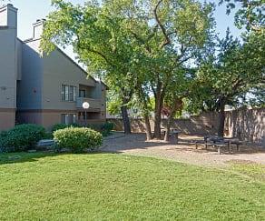 Building, Heritage Oaks Apartments