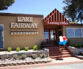 Community Signage, Lake Fairway