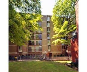 Courtyard, Glendale Plaza