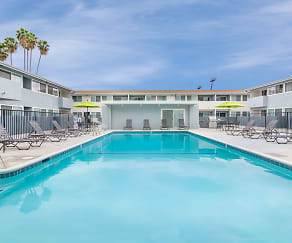 Pool, Park Apartments