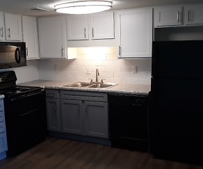 Kitchen, The Ridge at Crestwood Apartments