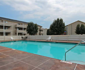 Pool, Garners Crossing Apartments