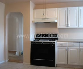Kitchen, 4920 Pershing Ave SE