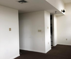 UNIT 301<BR> NICE OPEN LAYOUT, Woodlayne Court