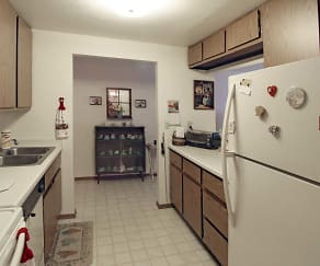 Kitchen, Wintergreen Apartments