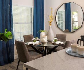 Dining Room, Alpine Meadows Apartments