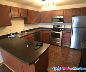 Newer 3 BR 2 BA Condo in Powers Ridge, Eureka, MN