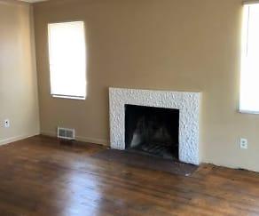 Living Room, 14490 Bringard