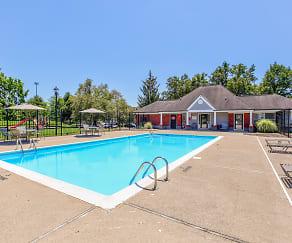 Pool, Hampton Place