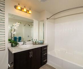 Bathroom, Plaza 16.40