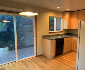 Kitchen, 4620 SW Condor AVE