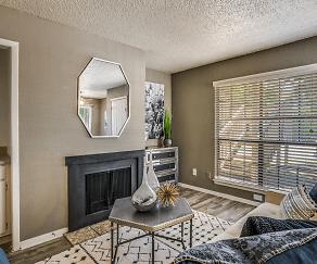 Living Room, Metro7000