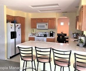 Kitchen, 3292 Glancy Dr