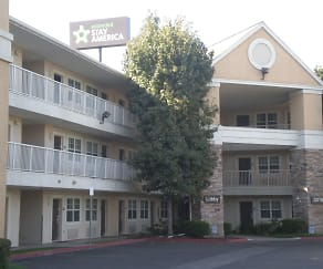 Building, Furnished Studio - Bakersfield - California Avenue