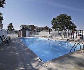 Pool, Prairie Tree Apartments