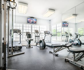 Fitness Weight Room, The Pointe at Neptune