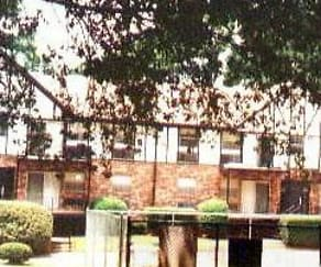 Building, Northlake Apartments