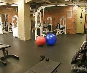 Fitness Weight Room, Shockoe Center Apartments
