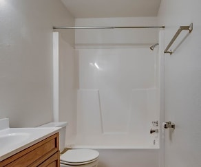 Bathroom, Cedarwood North