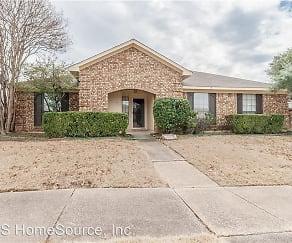 657 Johnson Drive, 75019, TX
