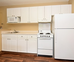Kitchen, Furnished Studio - Charlotte - Pineville - Pineville Matthews Rd.