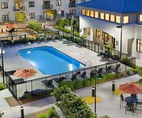 Pool, Southpark Morrison