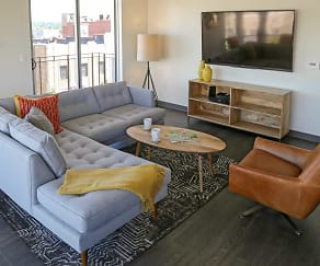 Living Room, The Penn at Walnut on Highland