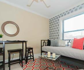 Living Room, 424 W. Diversey