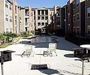 Pool, Washington Courtyard