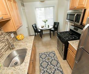 Chesapeake Glen Apartment Homes, Glen Burnie, MD