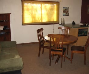 Dining Room, 4311 Woodland Ave