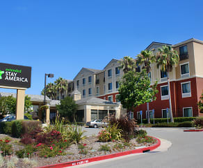 Community Signage, Furnished Studio - San Rafael - Francisco Blvd. East