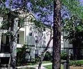 Building, Golden Oaks Apartments