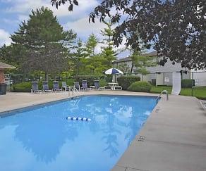 Pool, Woodridge