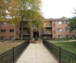 Building, Glen Willow Apartments