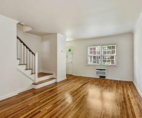 Living Room, General Wayne & Ridgedale Gardens