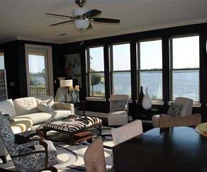Interior, Pointe At Bay Cove