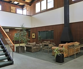 Common Area, Summerwind Apartments
