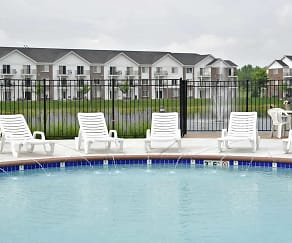 Pool, Towne Lakes Apartments